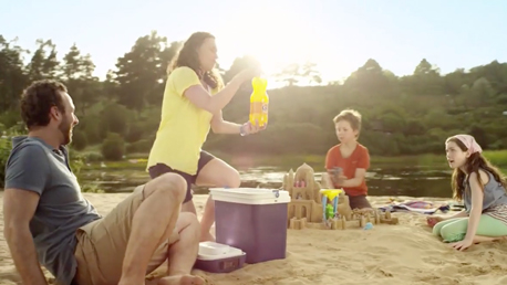 Fanta TV commercial filmed on the canary islands Gran Canaria by Seven Islands Film with kids on a lake and in the dunes of Maspalomas